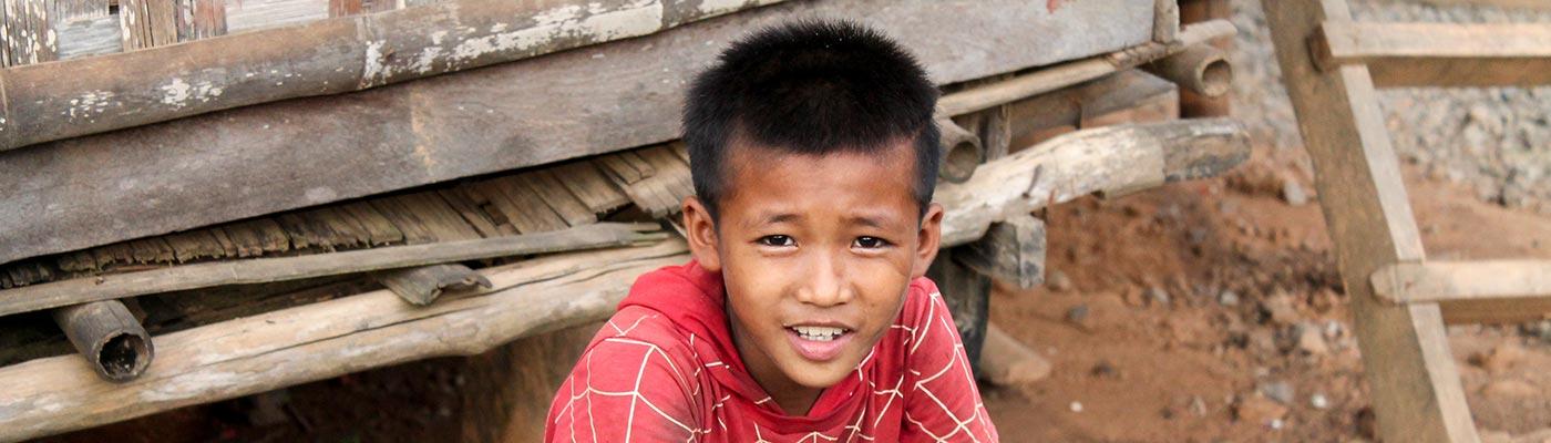 Knabe in Laos