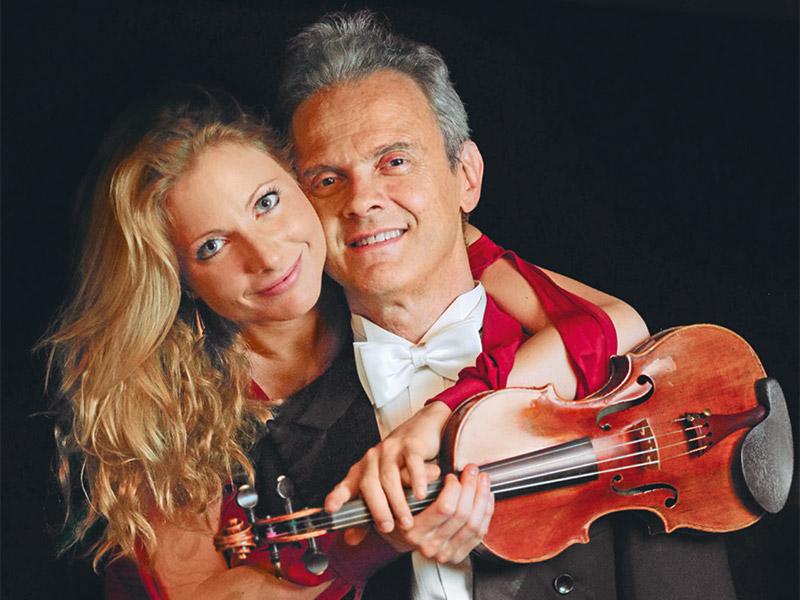 Maristella Patuzzi (Geige) mit ihrem Vater Mario Patuzzi (Klavier)