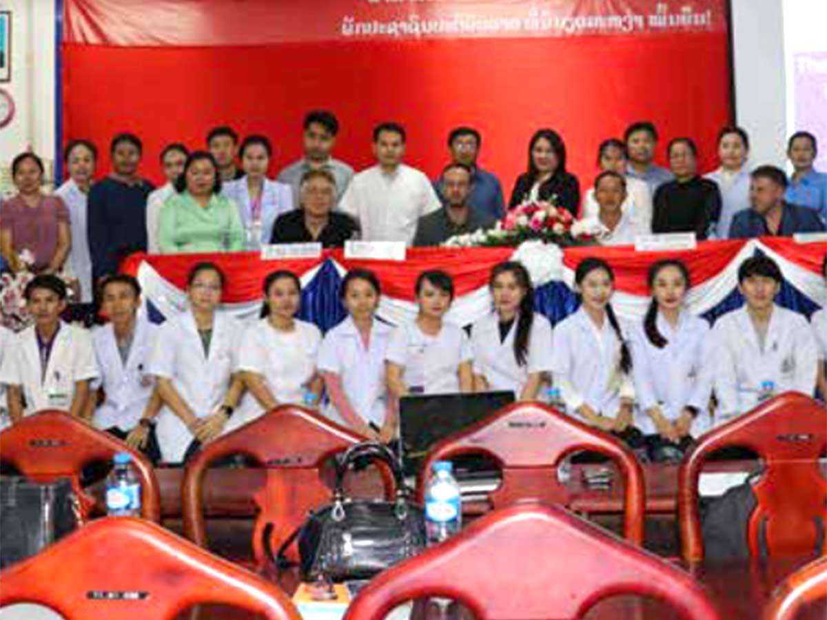 Kursteilnehmer im Mahosot Hospital